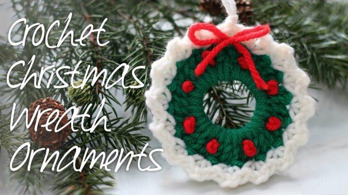 Crochet Christmas Ornaments Pattern.Crochet Christmas Wreath Ornament Yarn Hooks