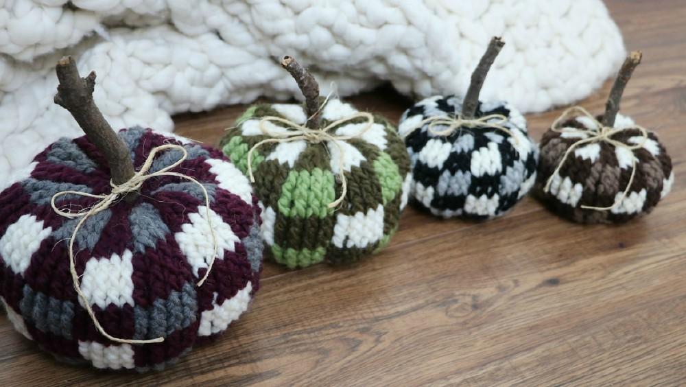 How To Crochet Plaid Pumpkins