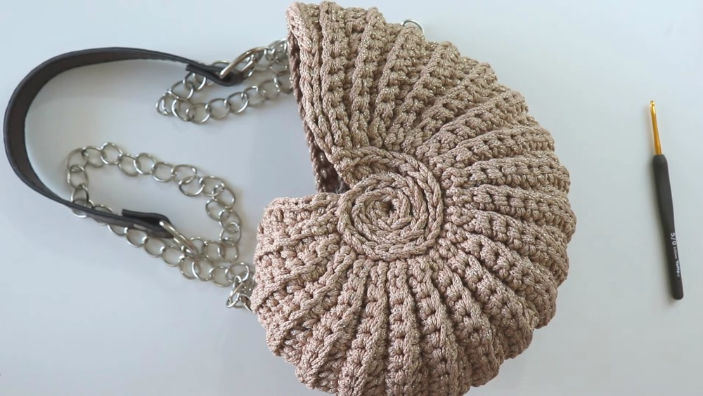 How To Crochet A Seashell Bag or Basket