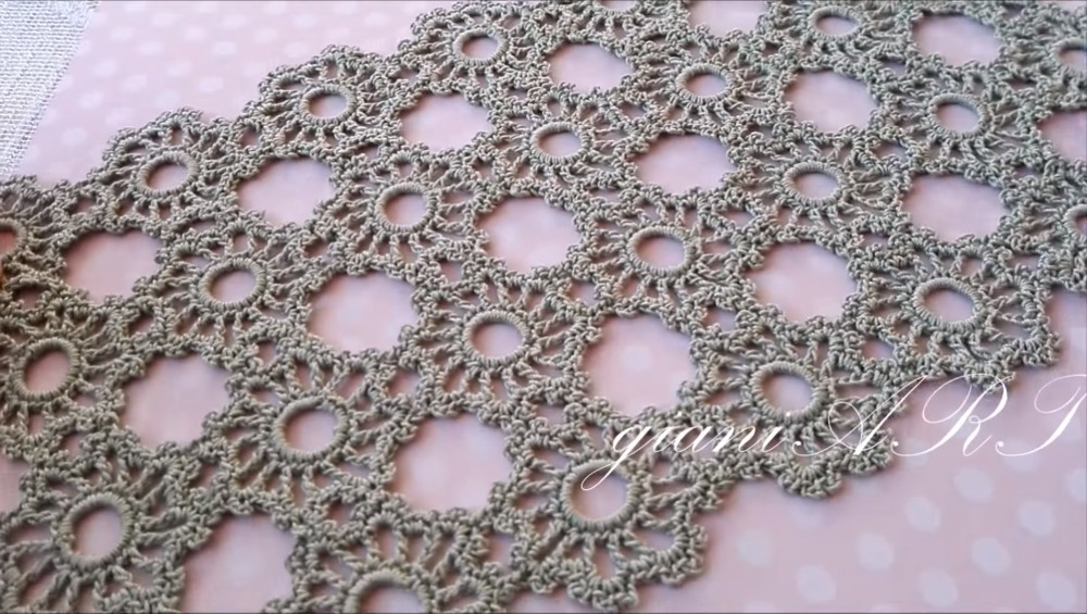 How To Crochet and Join Small Round Motifs