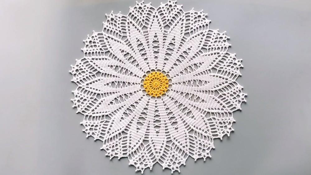 How To Crochet Daisy Doily – Free Crochet Pattern
