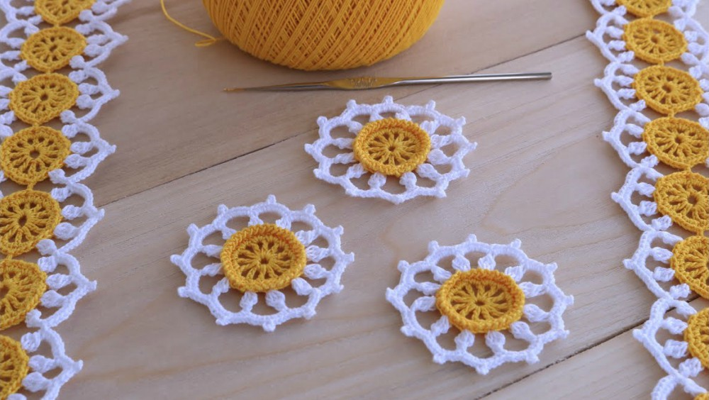Crochet Lace Cord With Daisy Columns