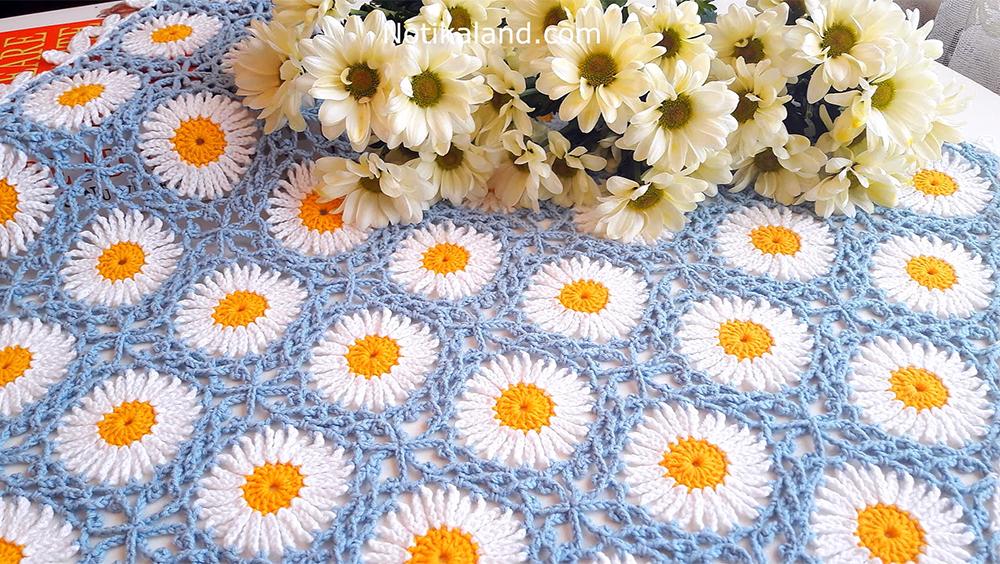 Crochet Daisy Square Blanket / Free Crochet Pattern